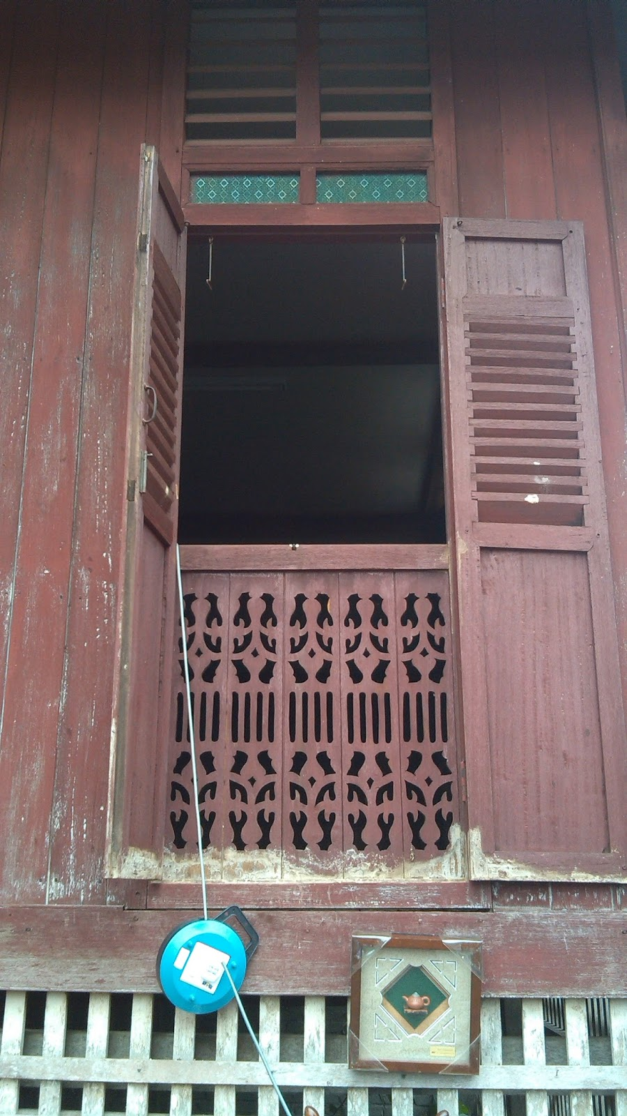 Hani S Precious Pasar Karat Muar Tanjung Gading Part 2 Masalah Utama Dengan Pemasangan Pintu Dan Tingkap Di Rumah Kayu