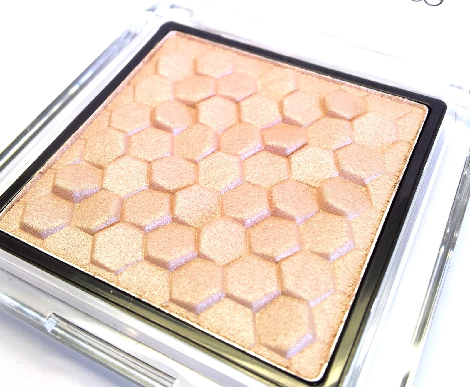 Catrice Nude purism pure shimmer highlighter