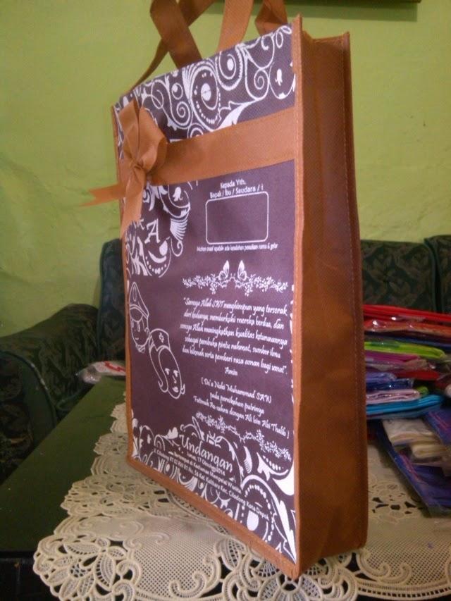 Undangan Nikah Model Tas Batik