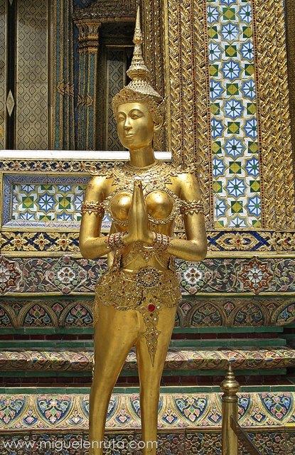 Kinnara-Wat-Phra-Kaew