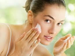 Alasan Utama Toner Dibutuhkan untuk Kecantikan Kulit Wajah Manfaat Positif