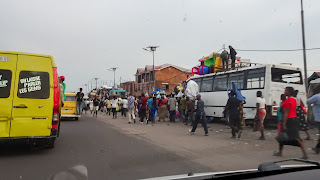 Big load of people in the Kinshasa
