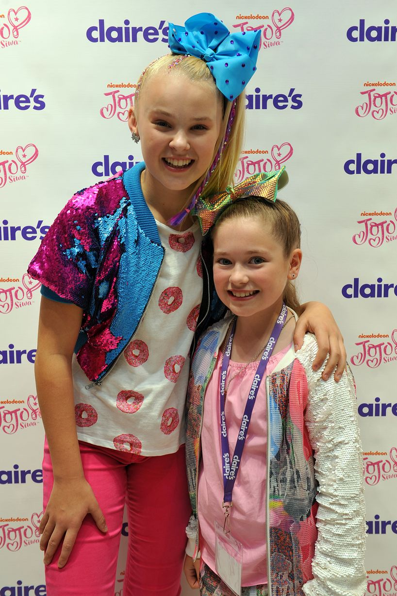 Nickalive Jojo Bows Star Jojo Siwa Sends Fans Into A Frenzy At The