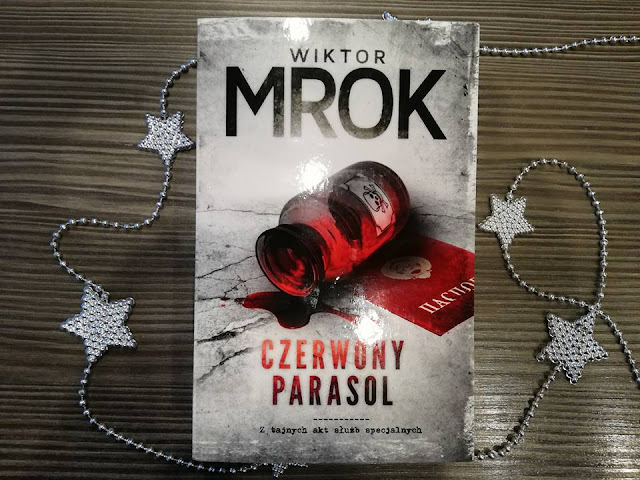 Wiktor Mrok- Czerwony parasol
