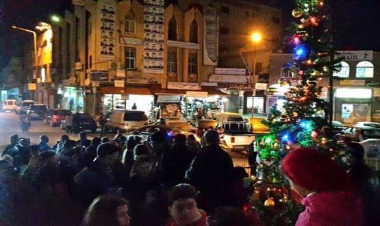 """تحت عنوان """"عام المحبة والسلام"""" إنارة شجرة الميلاد بمدينة شهبا"""
