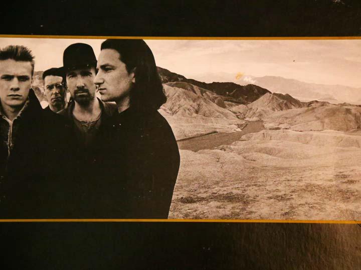 Portada del vinilo The Joshua Tree de 1987, tomado de la colección exhibida en 4Works Studio propiedad de Julian Franco