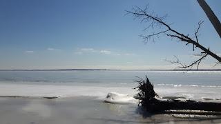 Lac des Deux Montagnes, parc d'Oka, hiver, glace