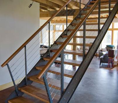 Fotos de escaleras como hacer una escalera de metal for Construir una escalera de jardin de madera