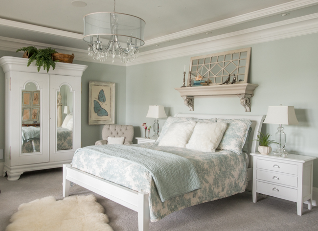 sherwin williams sea salt bedroom vintage whites a rustic charming home with class 19692