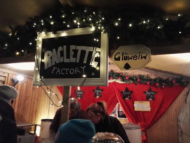 raclette ruokailu syömiset koju glühwein glögi hehkuviini joulutori