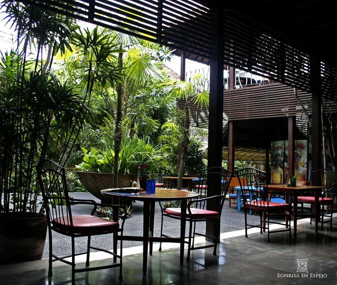 Cafeteria en Ubud Bali por Sonrisa en Espejo