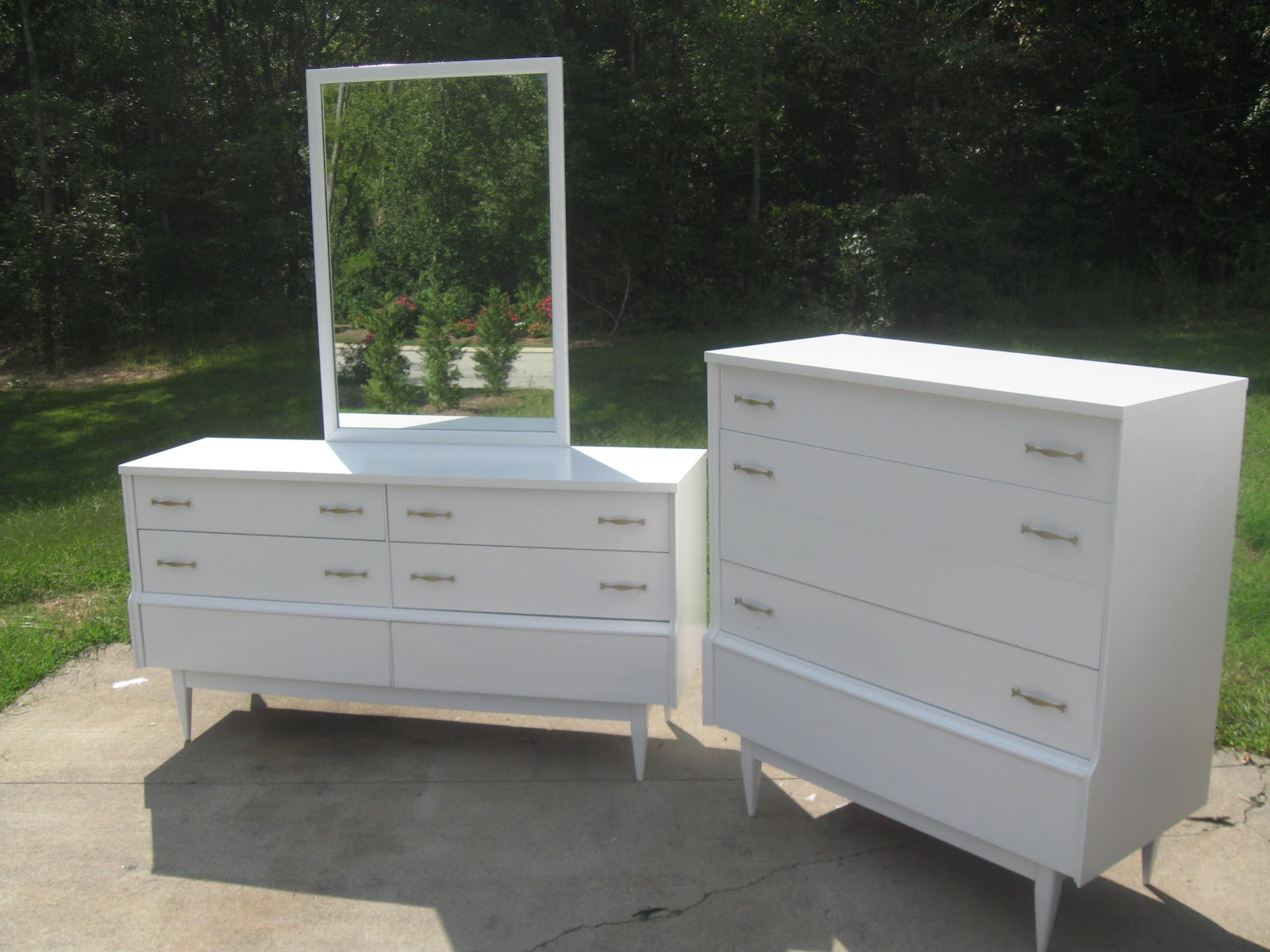 That 39 s not junk refurbished recycled furniture mid - Midcentury modern bedroom furniture ...