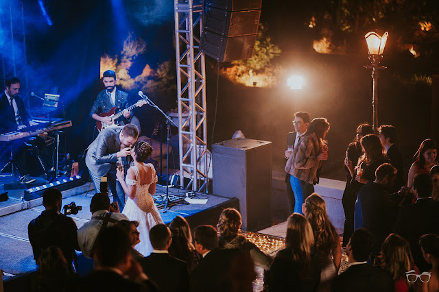 casamento real, casamento a céu aberto, noivo cantando, villa giardini, dança do casal, valsa dos noivos, pista de dança, casamento em brasilia, casarei em brasilia, festa de casamento