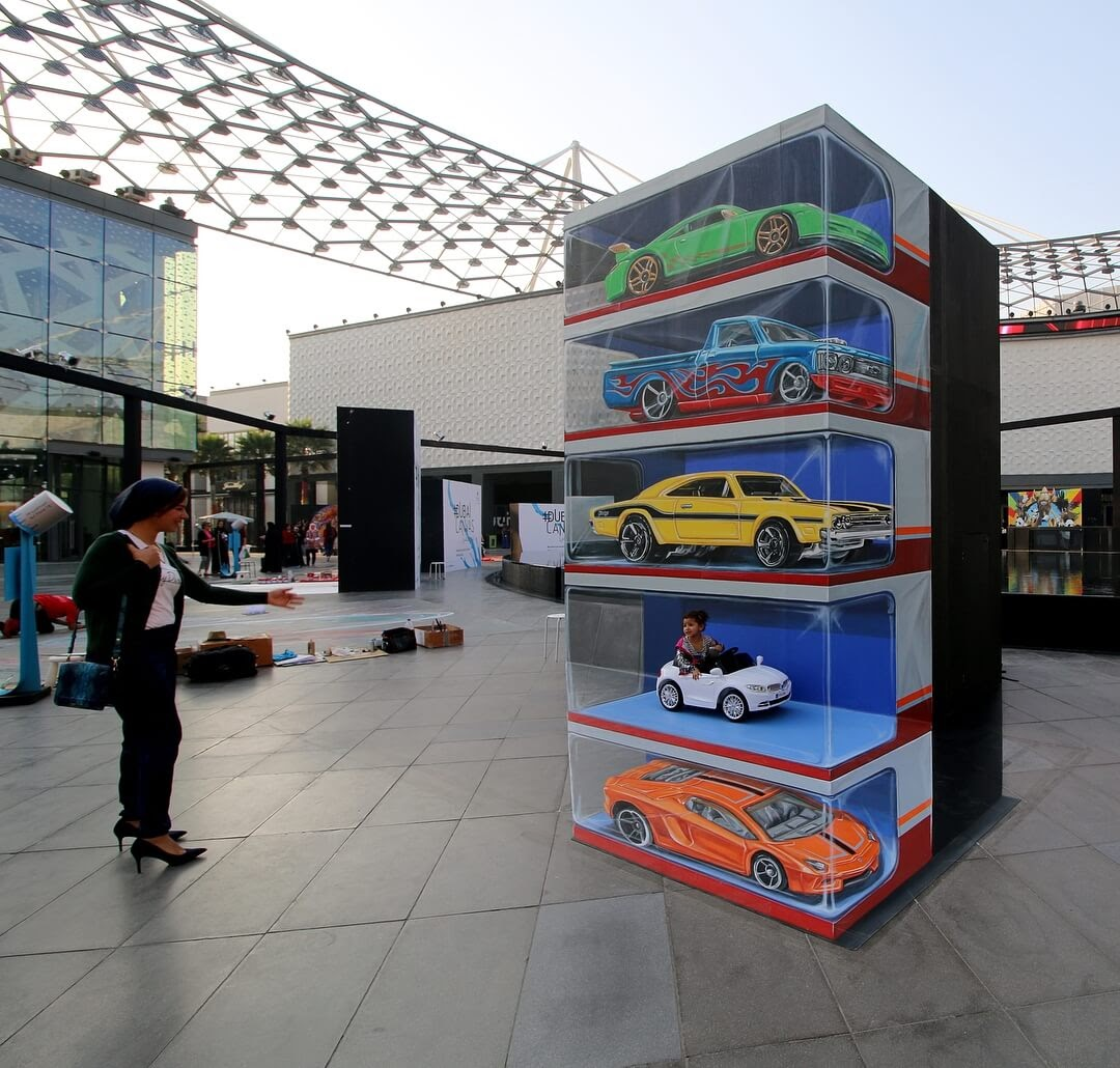 03-Dubai-Canvas-Leon-Keer-3D-Anamorphic-Street-Art-and-a-Video-www-designstack-co