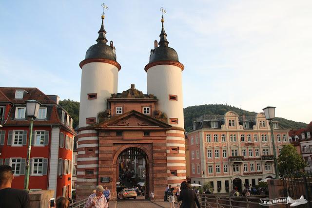 Brückentor, na Alte Brücke, Heidelberg