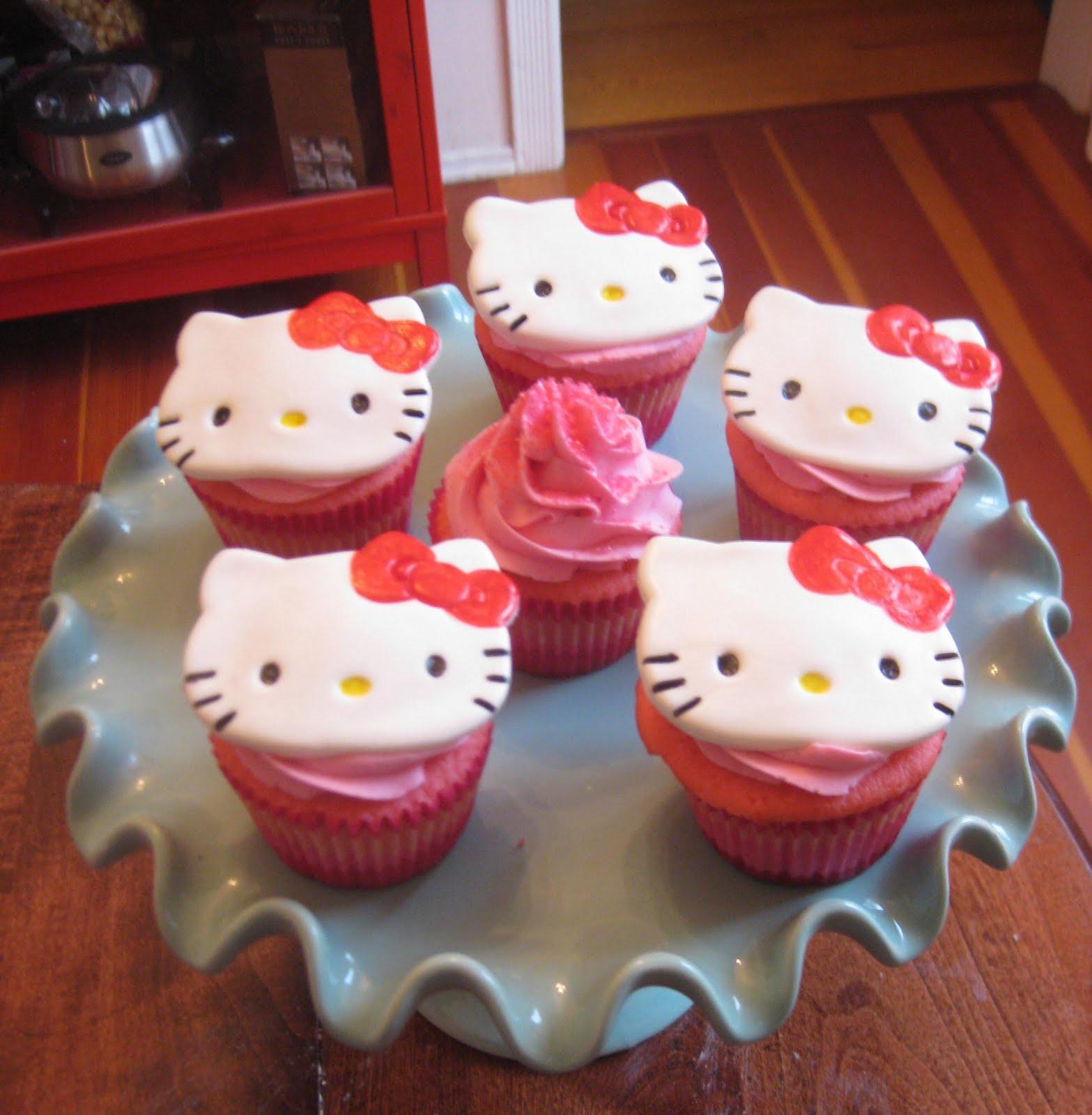 Pixie Crust Hello Kitty Cupcakes Quot Pink Velvet Quot Stuffed