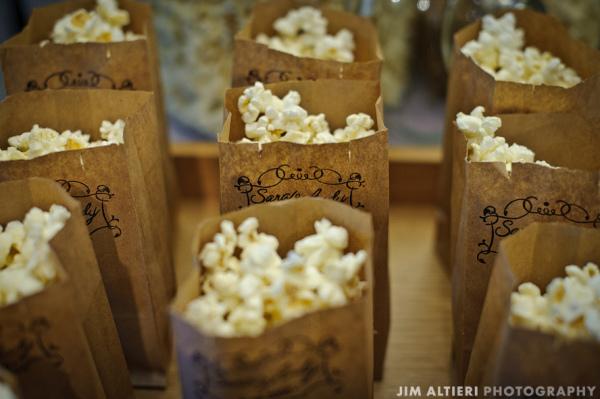 Resopón de palomitas de maíz para el enlace - Foto: www.favecrafts.com