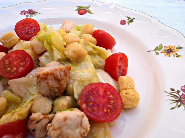 ensalada-pollo-picatostes-sin-gluten