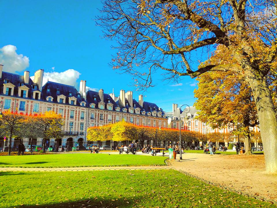 Place des Vosges Garden in Le Marais Paris I Travelling Hopper