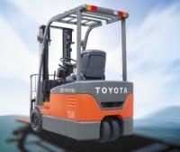 xe nang dien Toyota