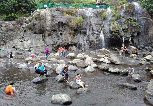 Aliran air Sungai Lokawisata Baturraden