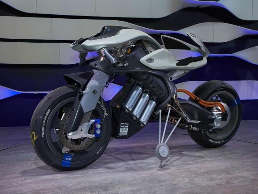 Yamaha Motoroid Concept, la moto che legge chi la guida