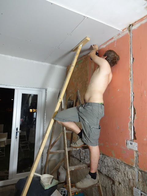 how to find joists under plasterboard