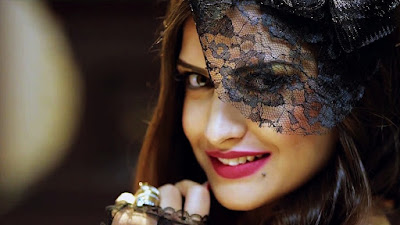 Cute lovely Indian Actress Himanshi Khurana hd wallpapers pictures. Most Famous Indina Bollywood Actress Himanshi Khurana hd wallpapers images.