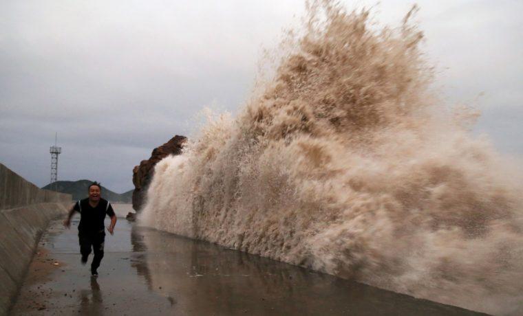 Τρέμουν τον κυκλώνα Μάικλ στις ΗΠΑ. Εκκένωση και στο βάθος θεομηνία