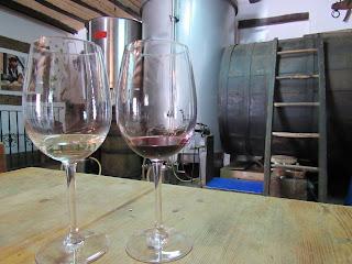 Copa de vino blanco y vino tinto