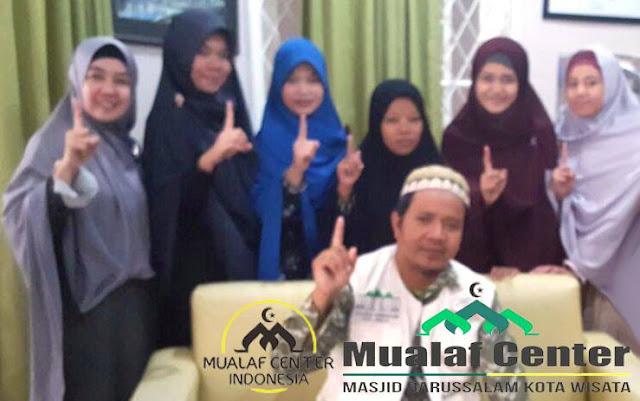 Kembalinya Seorang Muslimah Setelah Murtad! Hanya Islam Yang Memuaskan Akal Dan Menenangkan Hati. Simak Kisahnya