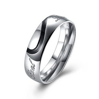 https://www.easewholesale.com/couples-stainless-steel-round-ring-for-men-sstr092-p-5850.html