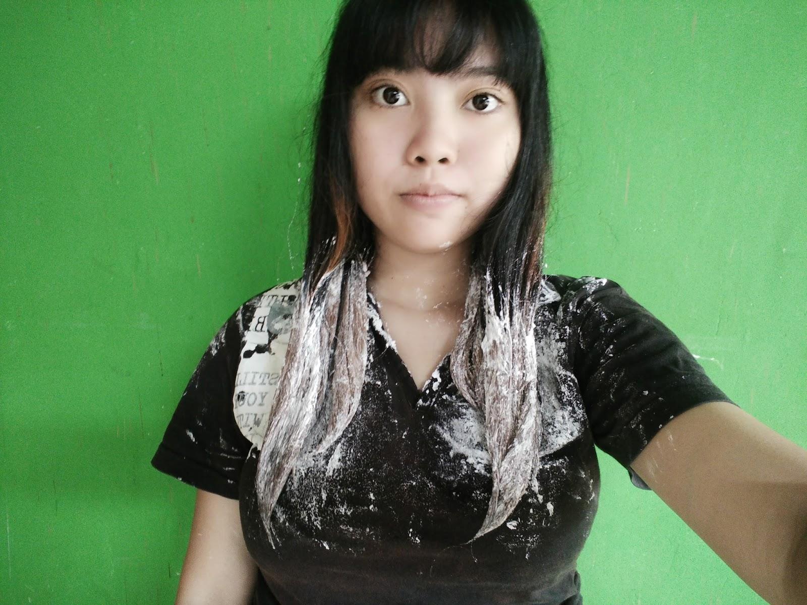 Vina Yu Vina Yu Mewarnai Rambut Sendiri Dirumah Dengan Hair Color Miranda Ombre Black And Blue