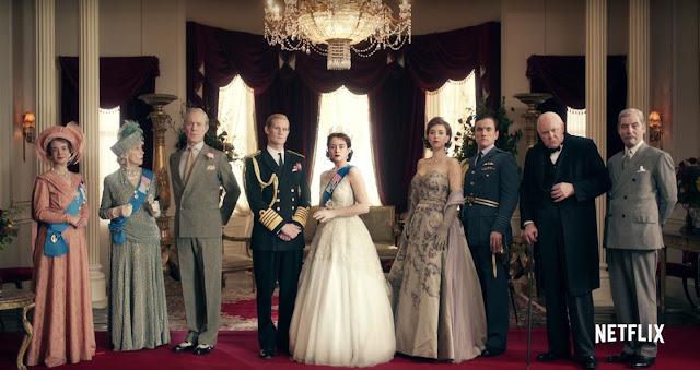 The Crown mostra que a Rainha também é um ser humano, embora ela tenha nascido em circunstâncias excepcionais e teve que fazer escolhas difíceis para fazer o que ela acha que era melhor para sua família e seu país