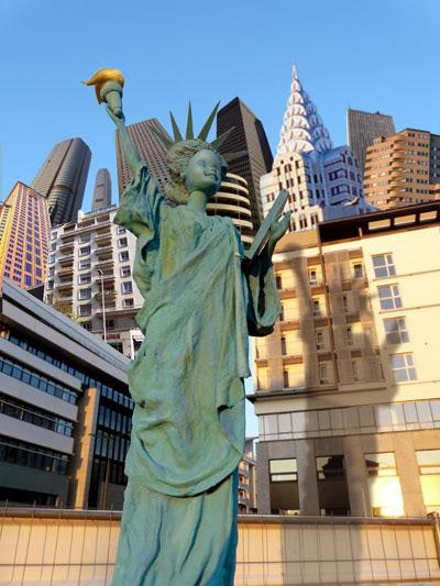 Barbie- Estátua da Liberdade Réplica de Jocelyne Grivaud