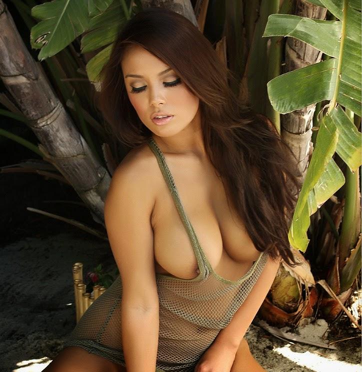 Celeb Justine Jaro Naked Images