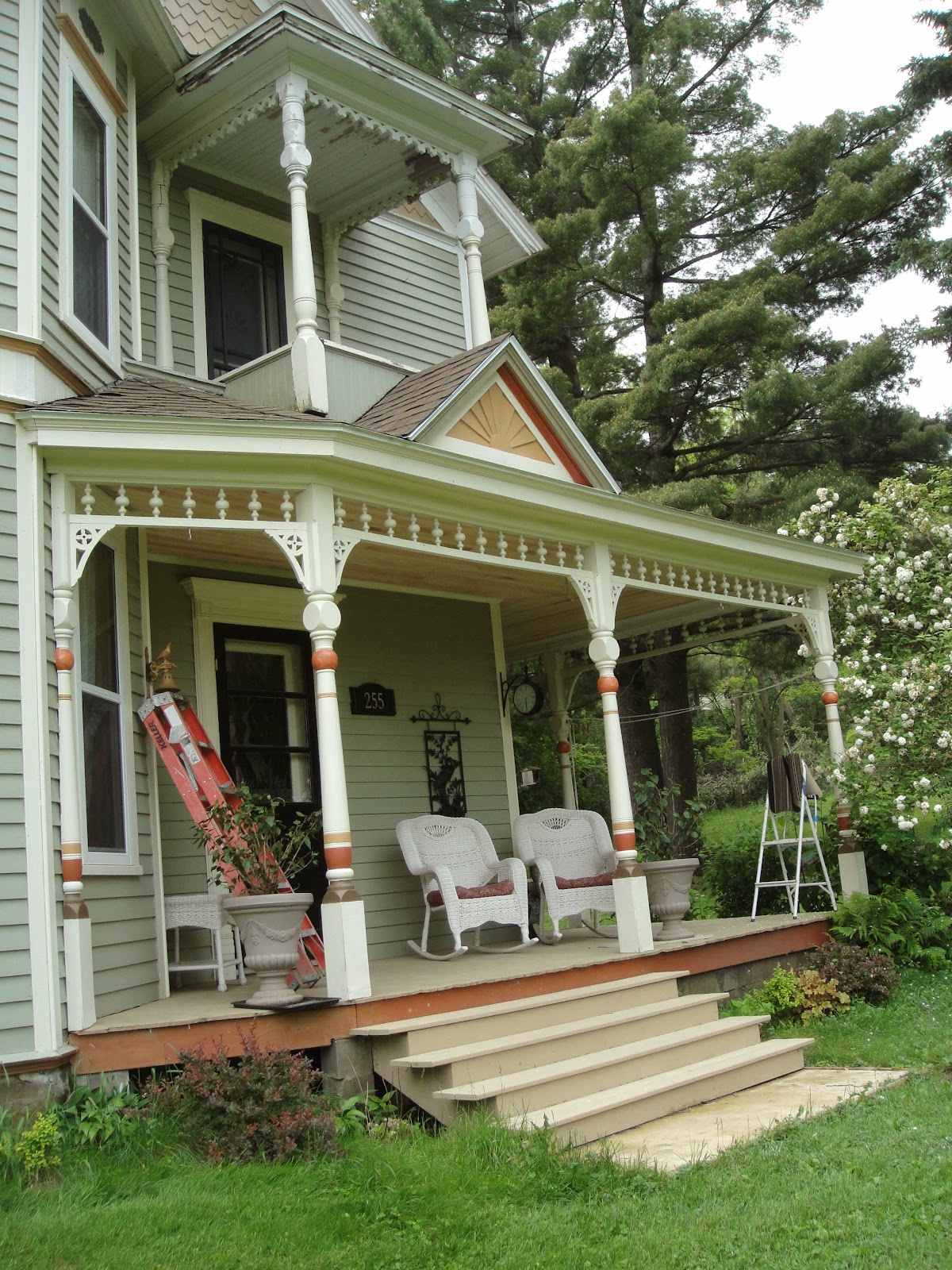 1893 Victorian Farmhouse: Front Porch Gets New Ceiling