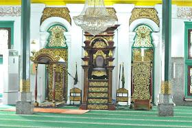 Mimbar dan tempat sholat imam masjid agung palembang