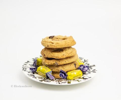 Peanut Butter Banana Dumle Cookies