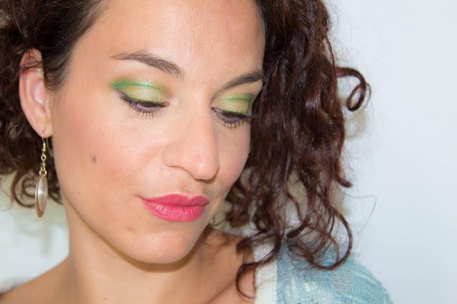 Un maquillage coloré vert pastel & prune