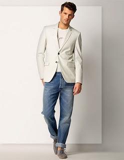 e14d81acd1 E fique atento  o blazer aqui não é o mesmo paletó do seu terno. O primeiro  tem vida própria