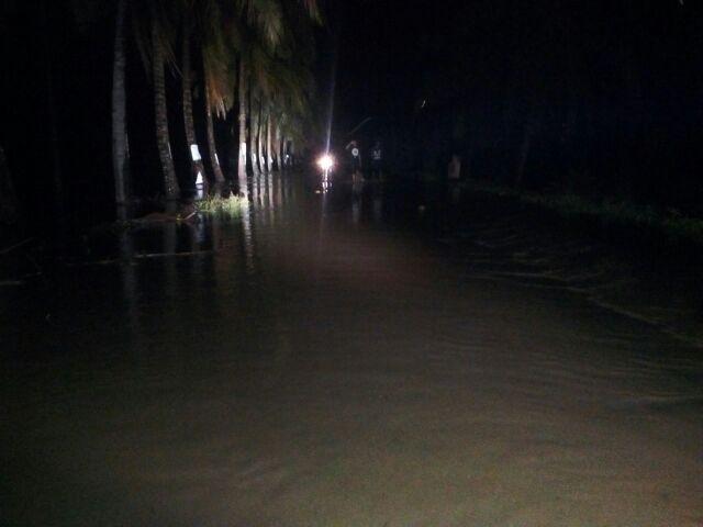 Luapan Air Sungai Paddangeng Putus Akses Soppeng-Sidrap