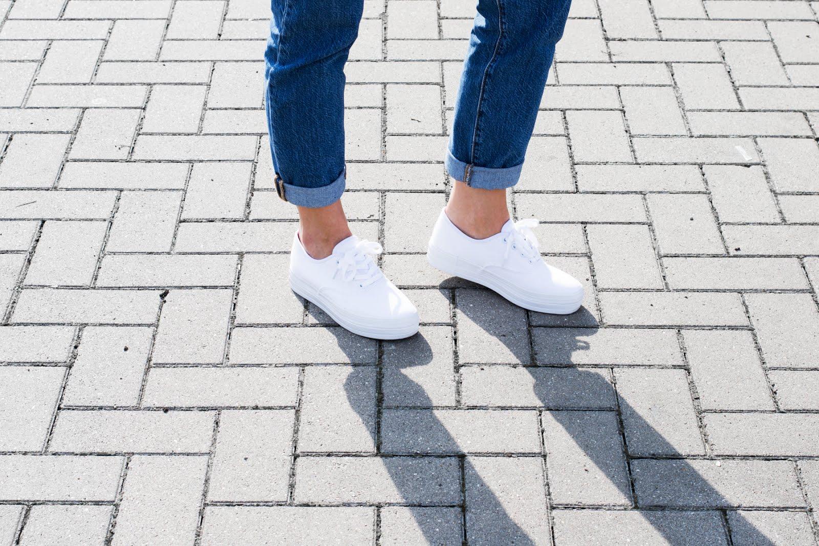 levi's 501 jeans, surf shack, sacha white flatform sneakers, platform