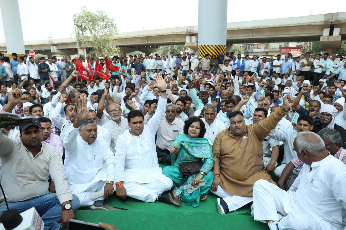 रोडवेज कर्मचारियों की हड़ताल मैं लगा कांग्रेस राजनीति नेताओ का सियासी तड़का