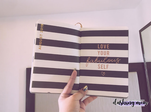 Parisian Shoes and Bags Planner 2019 August