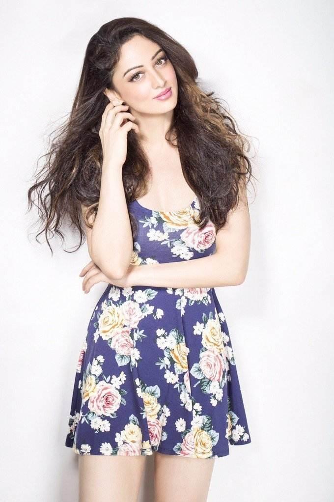 Beautiful Hindi Girl Sandeepa Dhar Photo Shoot In White Dress