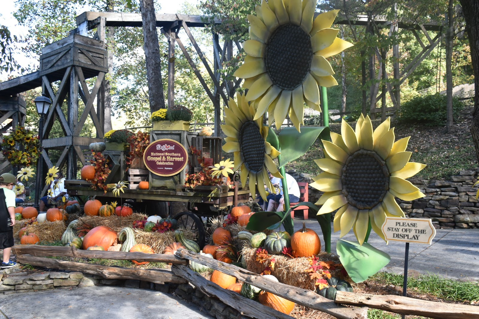 Dollywood Harvest Festival with My Whole Family  via  www.productreviewmom.com
