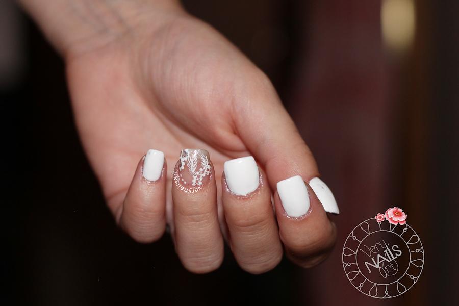 nail-art-blanco-atrapasuenos