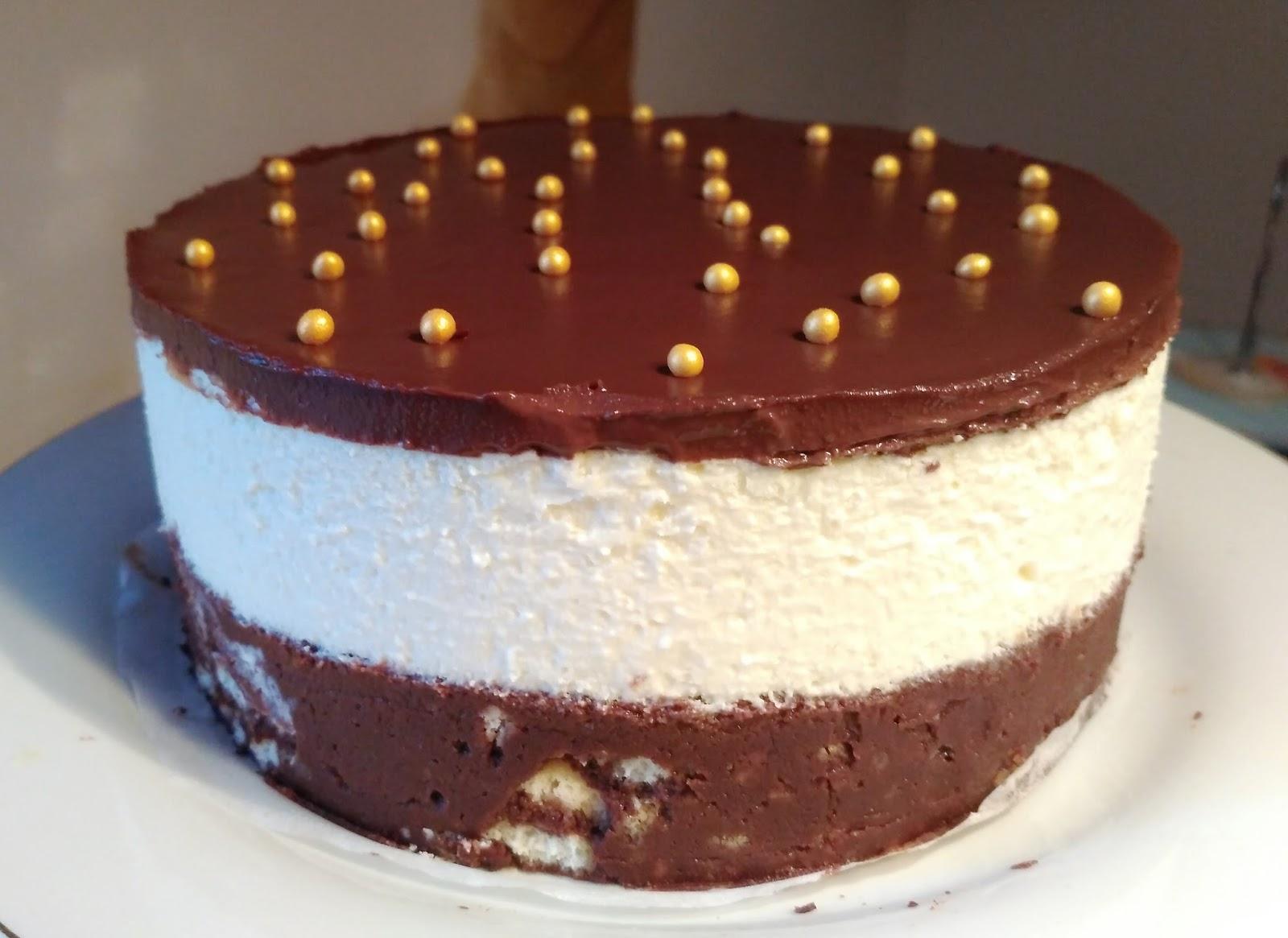 gateau aux biscuits cr me chocolat blanc et nappage chocolat noir recette sans cuisson des. Black Bedroom Furniture Sets. Home Design Ideas