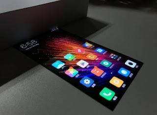 Smartphone Xiaomi Layar Fleksibel dapat ditekuk